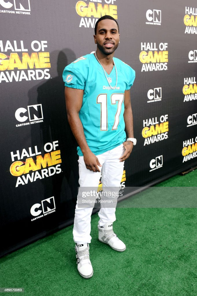 Singer <a gi-track='captionPersonalityLinkClicked' href=/galleries/search?phrase=Jason+Derulo&family=editorial&specificpeople=5745869 ng-click='$event.stopPropagation()'>Jason Derulo</a> attends Cartoon Network's fourth annual Hall of Game Awards at Barker Hangar on February 15, 2014 in Santa Monica, California.