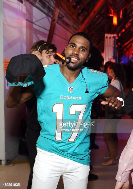 Singer Jason Derulo attends Cartoon Network's fourth annual Hall of Game Awards at Barker Hangar on February 15 2014 in Santa Monica California
