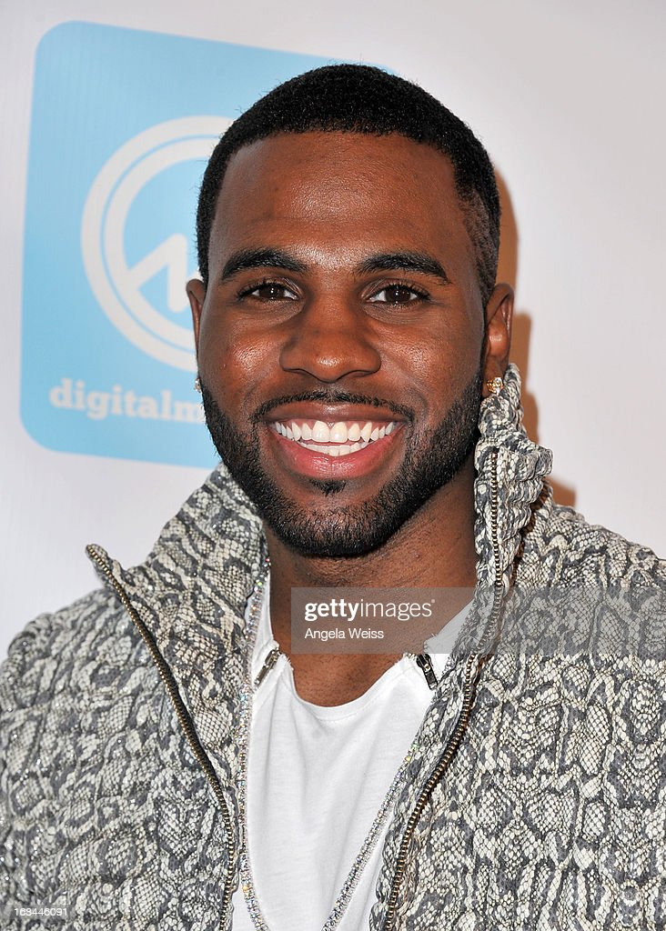 Singer <a gi-track='captionPersonalityLinkClicked' href=/galleries/search?phrase=Jason+Derulo&family=editorial&specificpeople=5745869 ng-click='$event.stopPropagation()'>Jason Derulo</a> attends the 2013 Music Biz Awards presented by NARM and digitalmusic.org at the Hyatt Regency Century Plaza on May 9, 2013 in Century City, California.