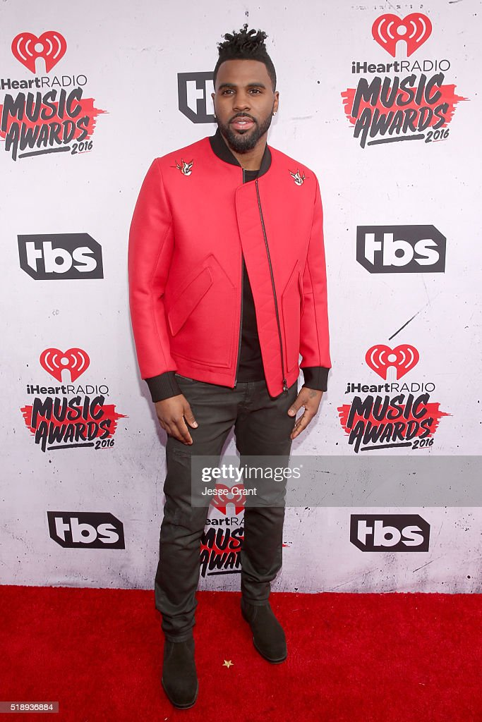 singer-jason-derulo-attends-the-iheartradio-music-awards-at-the-forum-picture-id518936884