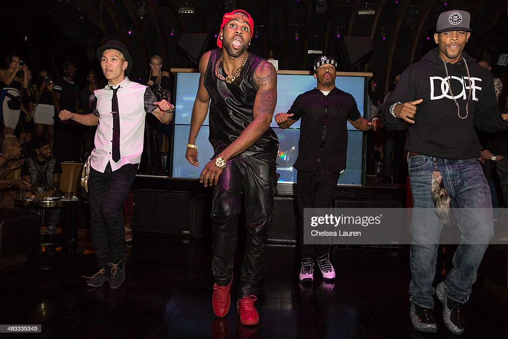 Singer <a gi-track='captionPersonalityLinkClicked' href=/galleries/search?phrase=Jason+Derulo&family=editorial&specificpeople=5745869 ng-click='$event.stopPropagation()'>Jason Derulo</a> participates in an impromptu performance at the listening party for his new album 'Talk Dirty' at 1OAK on April 7, 2014 in West Hollywood, California.