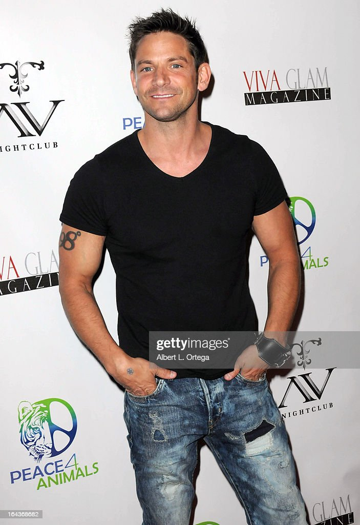 Singer <a gi-track='captionPersonalityLinkClicked' href=/galleries/search?phrase=Jeff+Timmons&family=editorial&specificpeople=994981 ng-click='$event.stopPropagation()'>Jeff Timmons</a> of 98 Degrees arrives for the Celebration of the Viva Glam Magazine Launch April Issue featuring Katie Cleary to benefit Animals 4 Peace at AV on March 22, 2013 in Hollywood, California.