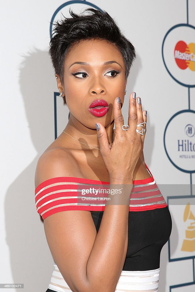 Singer <a gi-track='captionPersonalityLinkClicked' href=/galleries/search?phrase=Jennifer+Hudson&family=editorial&specificpeople=234833 ng-click='$event.stopPropagation()'>Jennifer Hudson</a> arrives at the 2014 HYUNDAI / GRAMMYs Clive Davis Pre-GRAMMY Gala Activation + Equus Fleet Arrivals at The Beverly Hilton Hotel on January 25, 2014 in Beverly Hills, California.