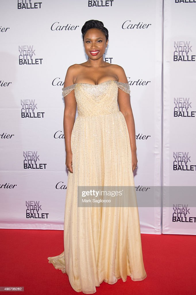 Singer <a gi-track='captionPersonalityLinkClicked' href=/galleries/search?phrase=Jennifer+Hudson&family=editorial&specificpeople=234833 ng-click='$event.stopPropagation()'>Jennifer Hudson</a> attends the 2015 New York City Ballet Fall Gala at the David H. Koch Theater at Lincoln Center on September 30, 2015 in New York City.