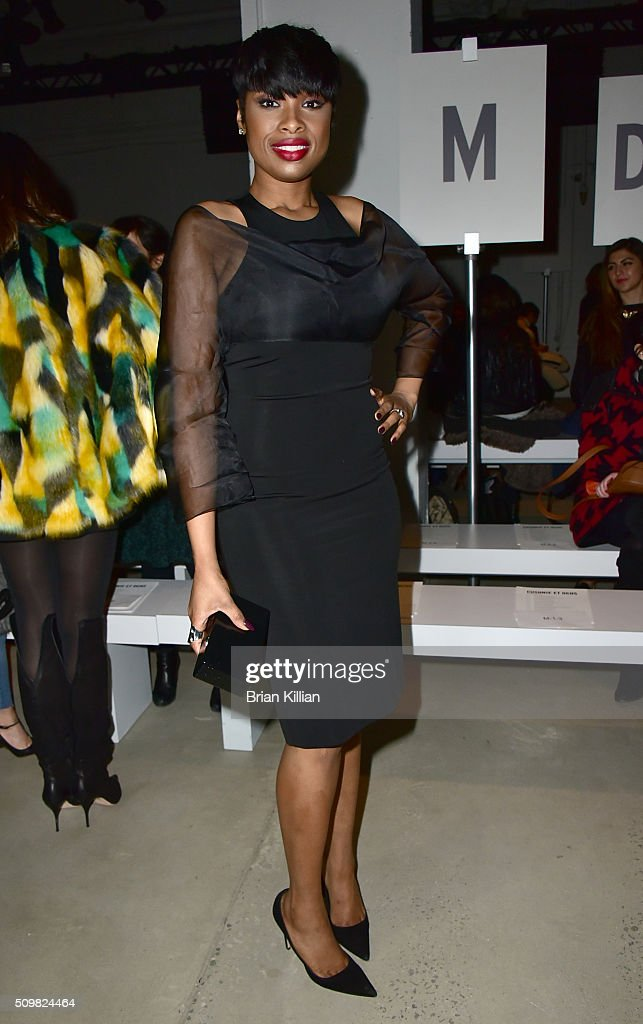Singer Jennifer Hudson attends the Cushnie et Ochs show during Fall 2016 New York Fashion Week The Shows at Skylight at Clarkson Sq on February 12...