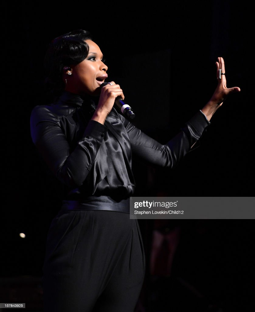 Singer <a gi-track='captionPersonalityLinkClicked' href=/galleries/search?phrase=Jennifer+Hudson&family=editorial&specificpeople=234833 ng-click='$event.stopPropagation()'>Jennifer Hudson</a> performs on stage during Black Ball Redux at The Apollo Theater on December 6, 2012 in New York City.