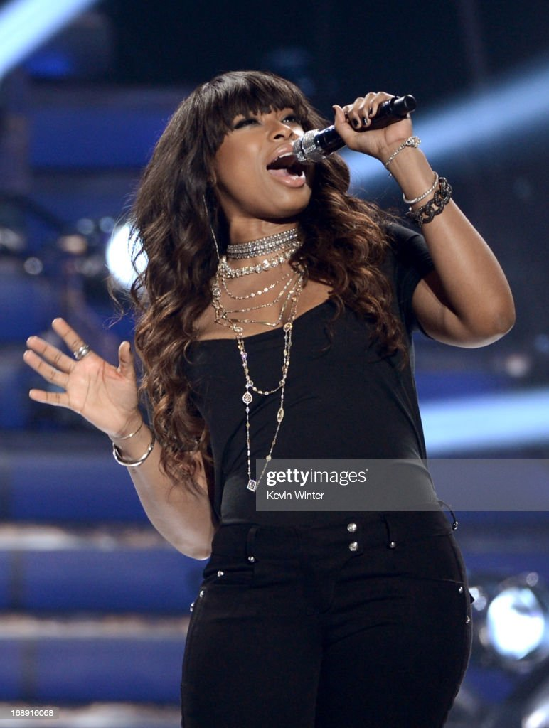 Singer <a gi-track='captionPersonalityLinkClicked' href=/galleries/search?phrase=Jennifer+Hudson&family=editorial&specificpeople=234833 ng-click='$event.stopPropagation()'>Jennifer Hudson</a> performs onstage during Fox's 'American Idol 2013' Finale Results Show at Nokia Theatre L.A. Live on May 16, 2013 in Los Angeles, California.