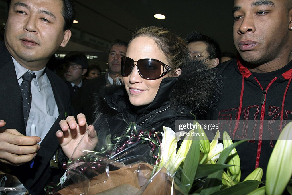 Singer <a gi-track='captionPersonalityLinkClicked' href=/galleries/search?phrase=Jennifer+Lopez&family=editorial&specificpeople=201784 ng-click='$event.stopPropagation()'>Jennifer Lopez</a> arrives at New Tokyo International Airport on March 6, 2005 in Narita, Japan. She is in Japan to promote her new album 'Rebirth'.
