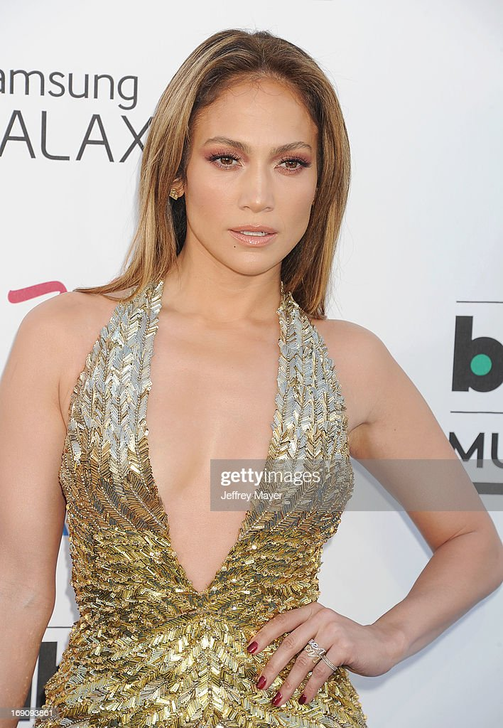 Singer Jennifer Lopez arrives at the 2013 Billboard Music Awards at the MGM Grand Garden Arena on May 19, 2013 in Las Vegas, Nevada.