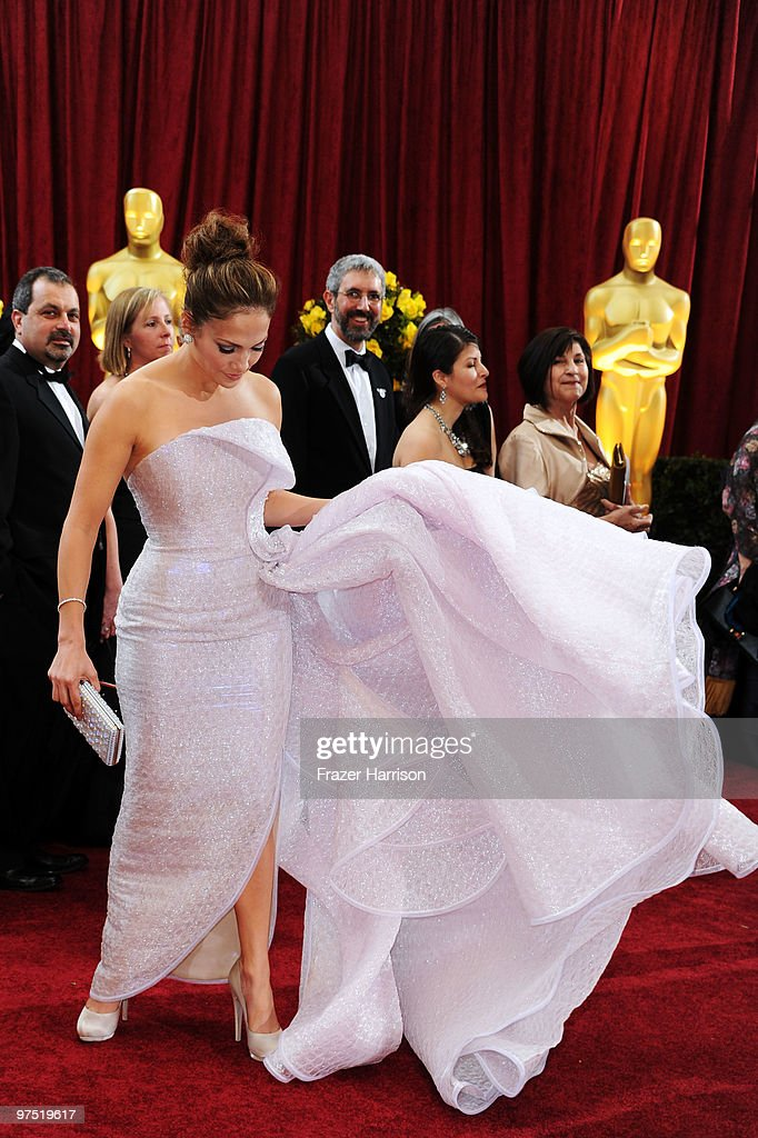 Singer <a gi-track='captionPersonalityLinkClicked' href=/galleries/search?phrase=Jennifer+Lopez&family=editorial&specificpeople=201784 ng-click='$event.stopPropagation()'>Jennifer Lopez</a> arrives at the 82nd Annual Academy Awards held at Kodak Theatre on March 7, 2010 in Hollywood, California.