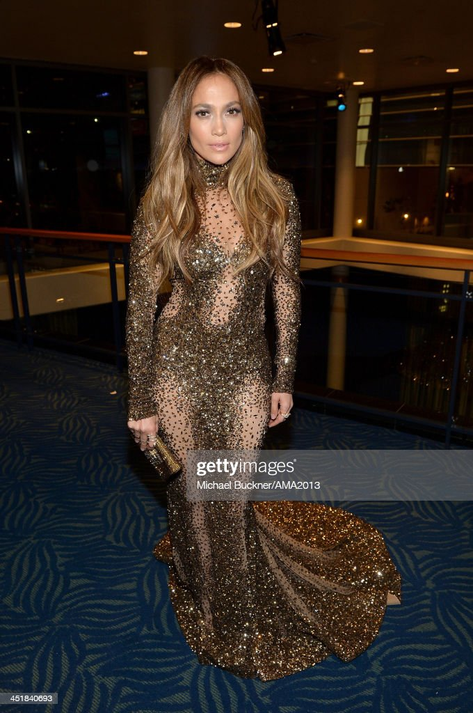 Singer <a gi-track='captionPersonalityLinkClicked' href=/galleries/search?phrase=Jennifer+Lopez&family=editorial&specificpeople=201784 ng-click='$event.stopPropagation()'>Jennifer Lopez</a> attends the 2013 American Music Awards at Nokia Theatre L.A. Live on November 24, 2013 in Los Angeles, California.