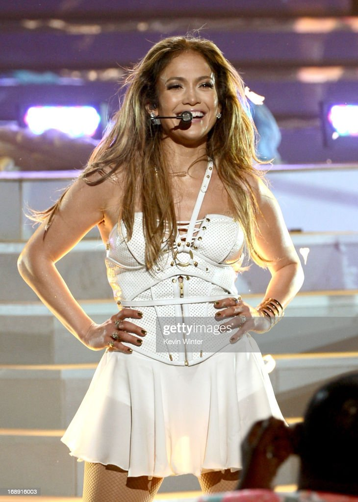 Singer <a gi-track='captionPersonalityLinkClicked' href=/galleries/search?phrase=Jennifer+Lopez&family=editorial&specificpeople=201784 ng-click='$event.stopPropagation()'>Jennifer Lopez</a> performs onstage during Fox's 'American Idol 2013' Finale Results Show at Nokia Theatre L.A. Live on May 16, 2013 in Los Angeles, California.