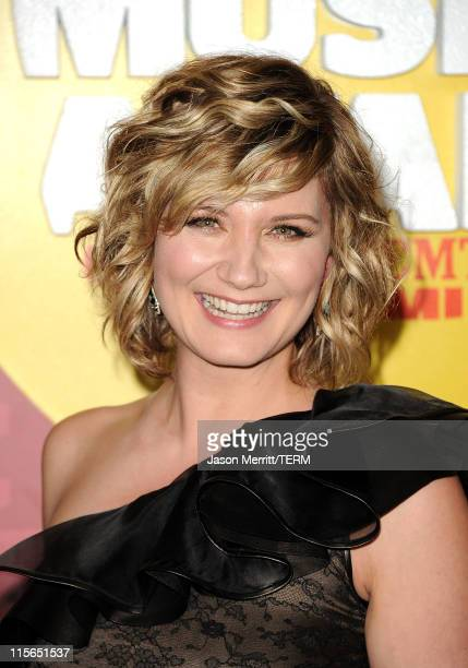 Singer Jennifer Nettles of Sugarland attends the 2011 CMT Music Awards at the Bridgestone Arena on June 8 2011 in Nashville Tennessee