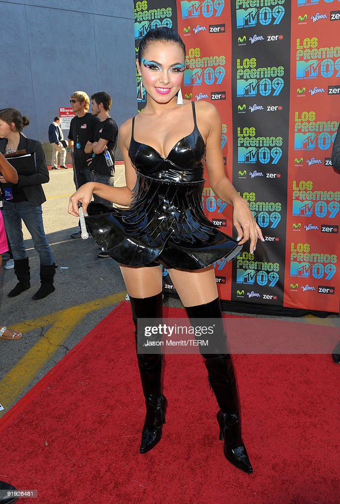 Singer Jery Sandoval arrives at the 'Los Premios MTV 2009' Latin America Awards held at Gibson Amphitheatre on October 15, 2009 in Universal City, California.