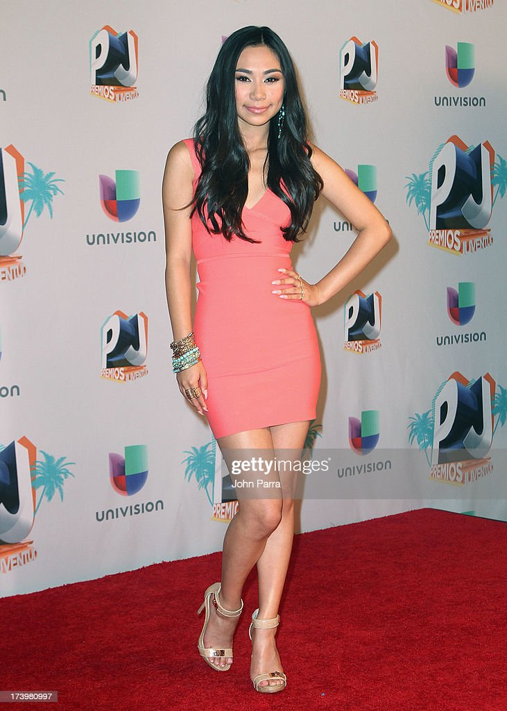 Singer <a gi-track='captionPersonalityLinkClicked' href=/galleries/search?phrase=Jessica+Sanchez&family=editorial&specificpeople=4373400 ng-click='$event.stopPropagation()'>Jessica Sanchez</a> poses in the press room during Premios Juventud 2013 at Bank United Center on July 18, 2013 in Miami, Florida.