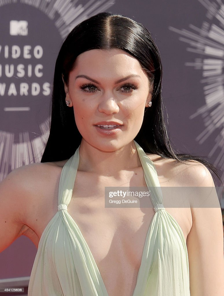 Singer <a gi-track='captionPersonalityLinkClicked' href=/galleries/search?phrase=Jessie+J&family=editorial&specificpeople=5737661 ng-click='$event.stopPropagation()'>Jessie J</a> arrives at the 2014 MTV Video Music Awards at The Forum on August 24, 2014 in Inglewood, California.