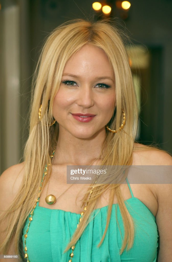 Singer Jewel attends a luncheon for fashion designer Rachel Pally at the Chateau Marmont on April 9, 2009 in West Hollywood, California.
