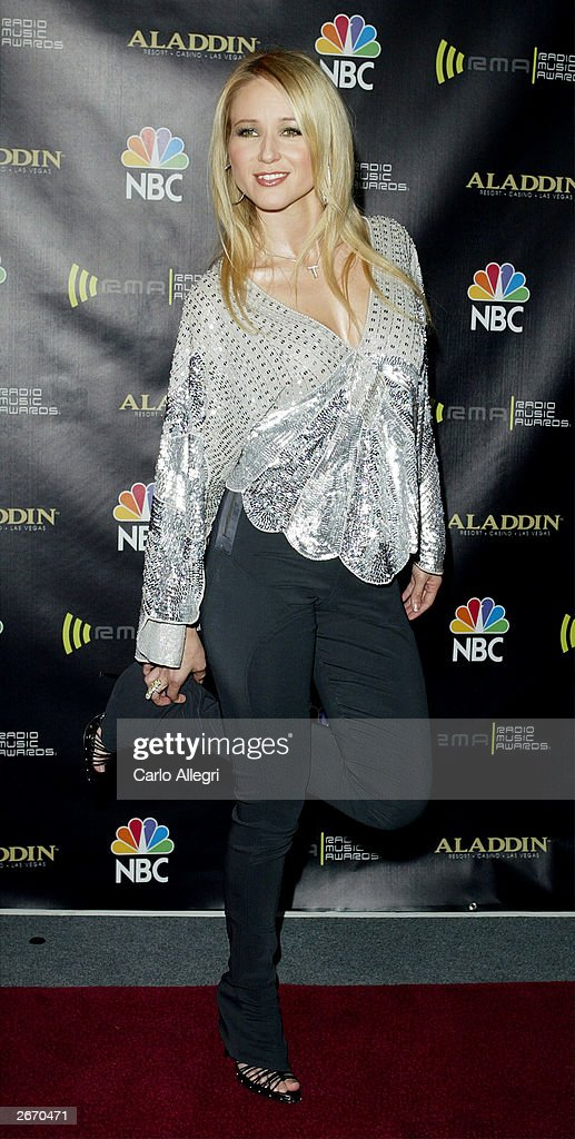 Singer Jewel attends The 2003 Radio Music Awards at the Aladdin Casino Resort October 27, 2003 in Las Vegas, Nevada.