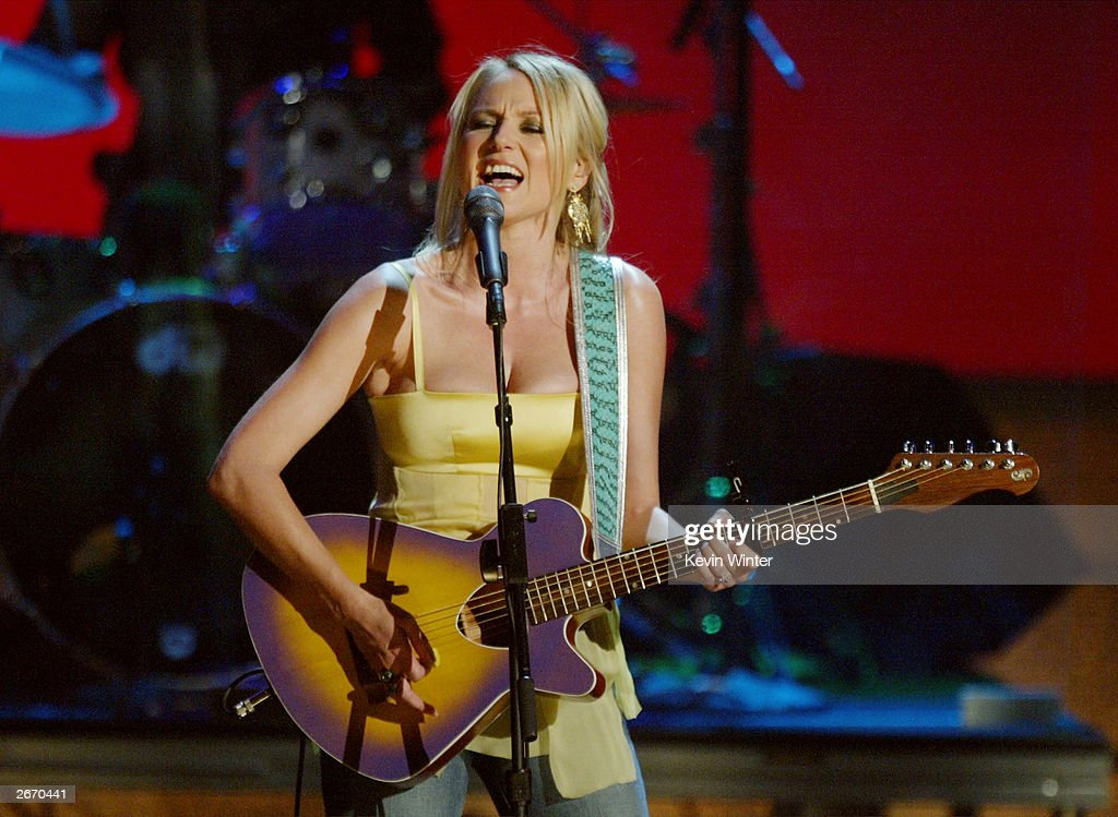 Singer Jewel performs on stage at The 2003 Radio Music Awards at the Aladdin Casino Resort October 27, 2003 in Las Vegas, Nevada.