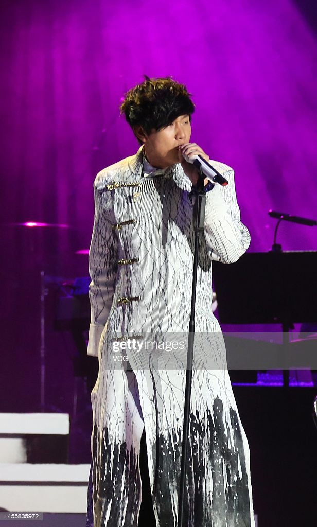 Singer <a gi-track='captionPersonalityLinkClicked' href=/galleries/search?phrase=JJ+Lin&family=editorial&specificpeople=3868242 ng-click='$event.stopPropagation()'>JJ Lin</a> performs on the stage during his live 'Time Line World' on September 20, 2014 in Nanjing, Jiangsu province of China.