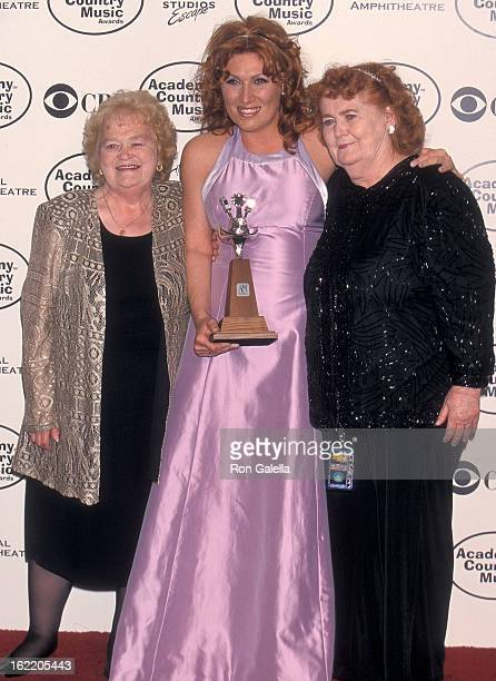 Singer Jo Dee Messina mother Mary Messina and her aunt attend the 34th Annual Academy of Country Music Awards on May 5 1999 at the Universal...