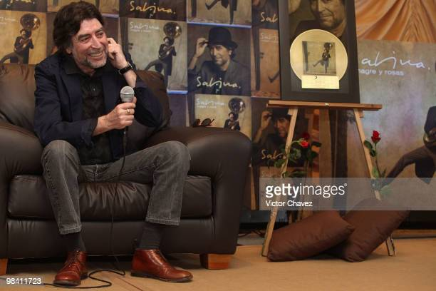 Singer Joaquin Sabina attends a photocall and press conference to promote his latest album 'Vinagre Y Rosas' at Hotel Camino Real on April 12 2010 in...