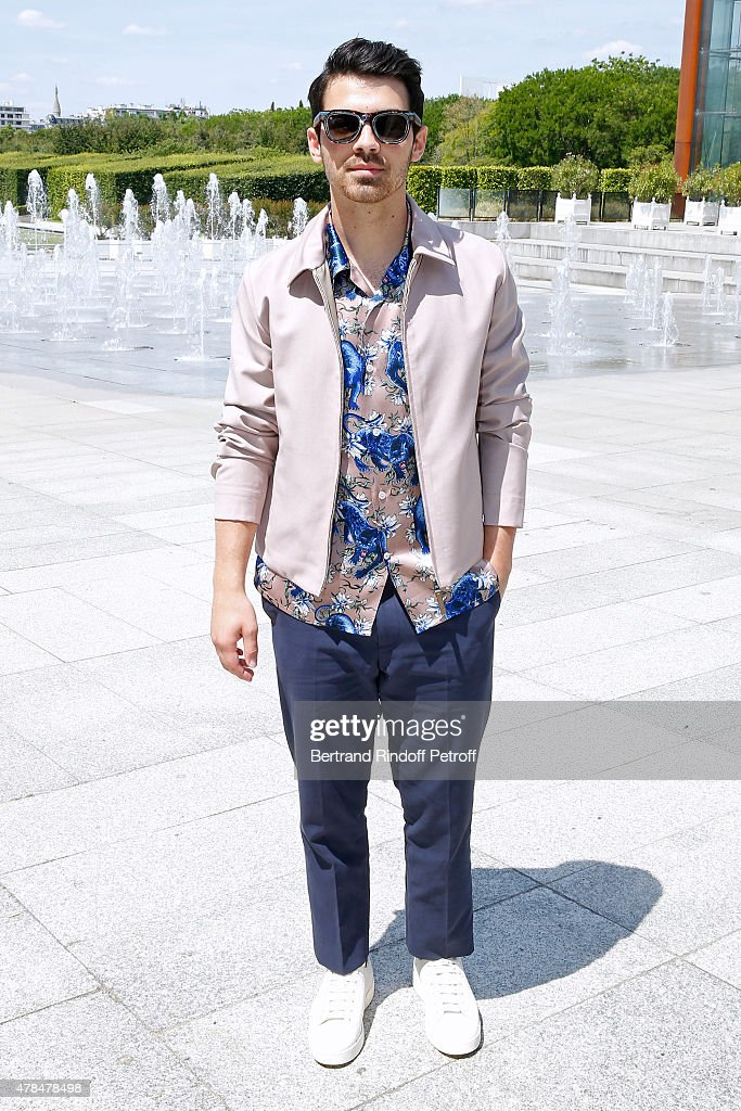 Singer <a gi-track='captionPersonalityLinkClicked' href=/galleries/search?phrase=Joe+Jonas&family=editorial&specificpeople=842712 ng-click='$event.stopPropagation()'>Joe Jonas</a> attends the Louis Vuitton Menswear Spring/Summer 2016 show as part of Paris Fashion Week on June 25, 2015 in Paris, France.