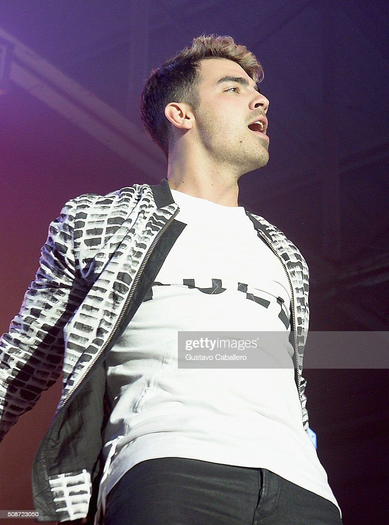 Singer Joe Jonas performs onstage during ESPN The Party on February 6, 2016 in San Francisco, California.