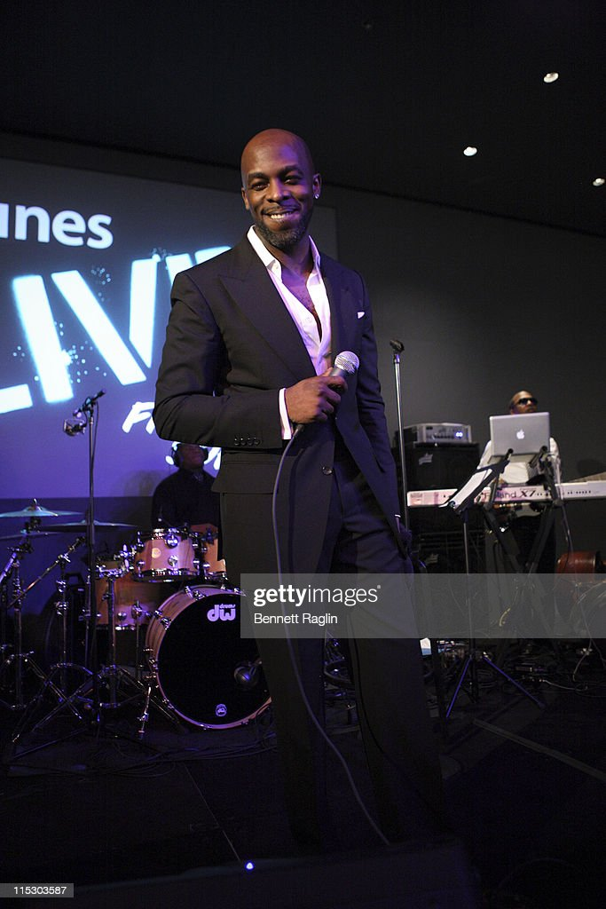 RB singer Joe performs at the Apple Store Soho on December 8 2009 in New York City