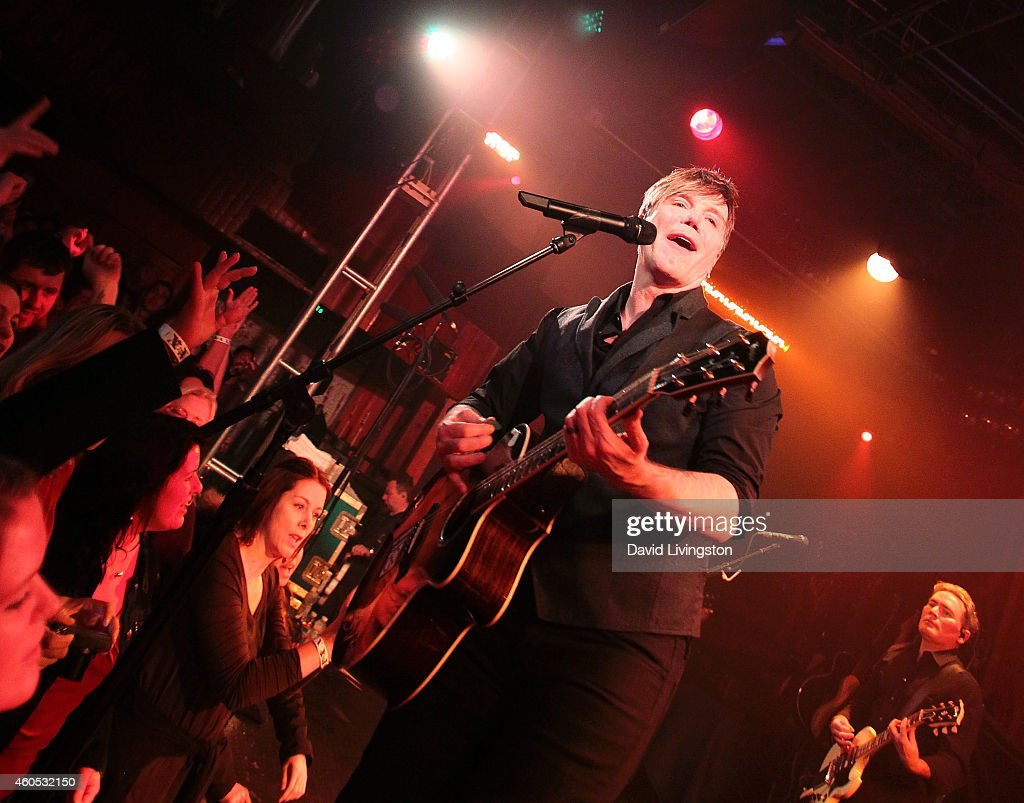 Singer John Rzeznik of the Goo Goo Dolls performs on stage at the Goo Goo Dolls 'Embrace the World' show to benefit Good Shepherd Shelter at the...