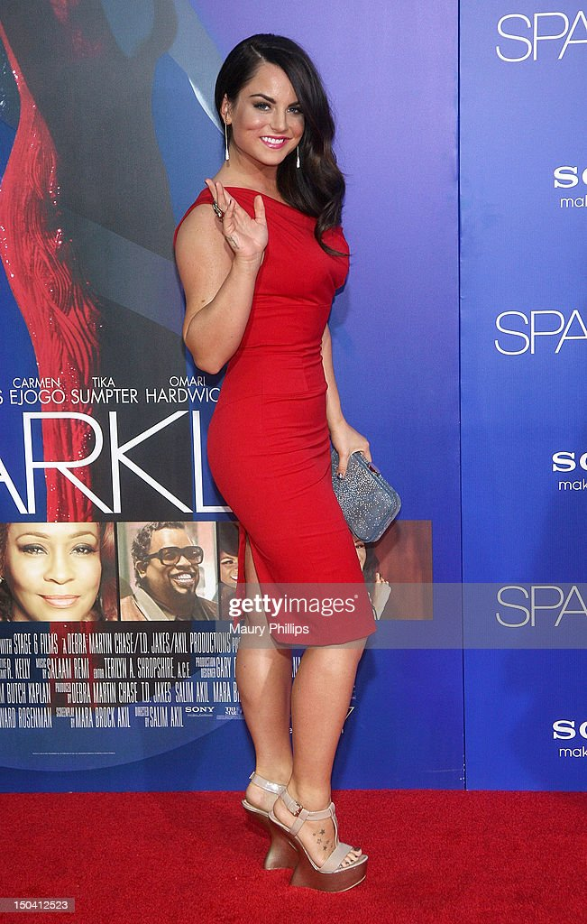 Singer JoJo arrives at the Los Angeles Premiere of 'Sparkle' at Grauman's Chinese Theatre on August 16, 2012 in Hollywood, California.
