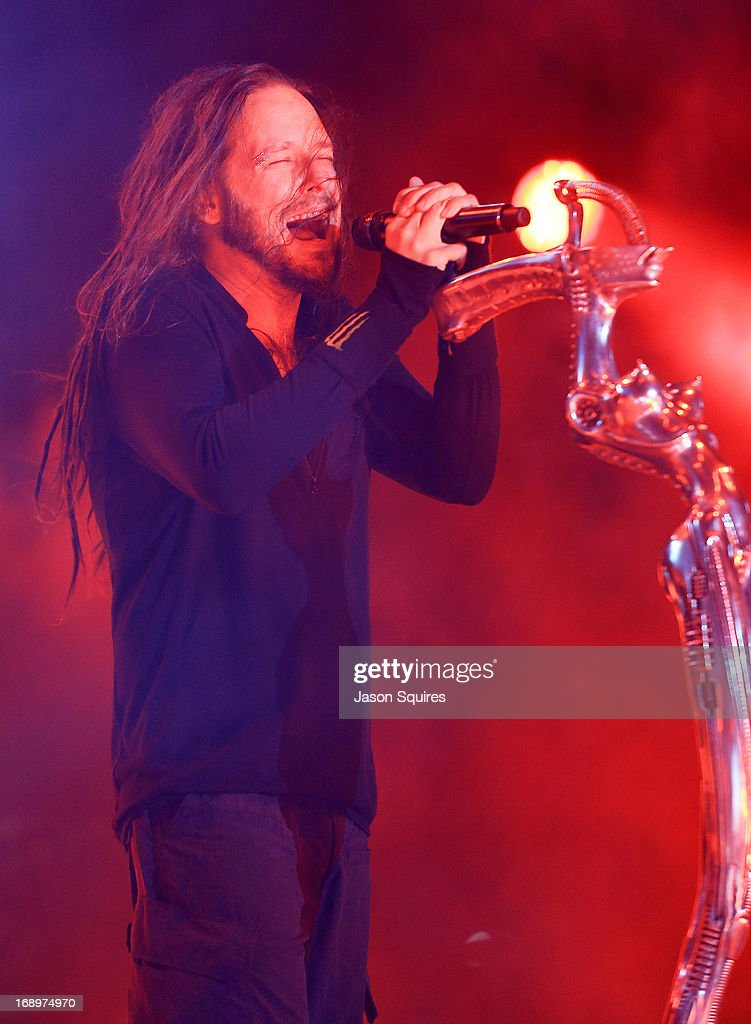 Singer <a gi-track='captionPersonalityLinkClicked' href=/galleries/search?phrase=Jonathan+Davis&family=editorial&specificpeople=221592 ng-click='$event.stopPropagation()'>Jonathan Davis</a> of Korn performs during 2013 Rock On The Range at Columbus Crew Stadium on May 17, 2013 in Columbus, Ohio.