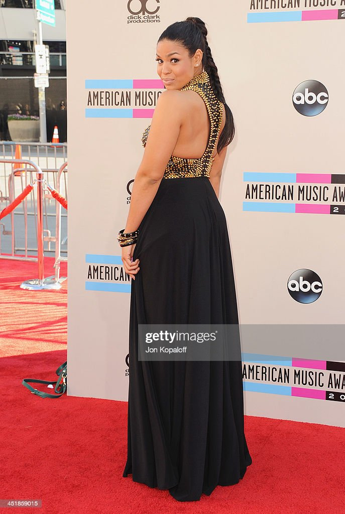 Singer Jordin Sparks arrives at the 2013 American Music Awards at Nokia Theatre L.A. Live on November 24, 2013 in Los Angeles, California.