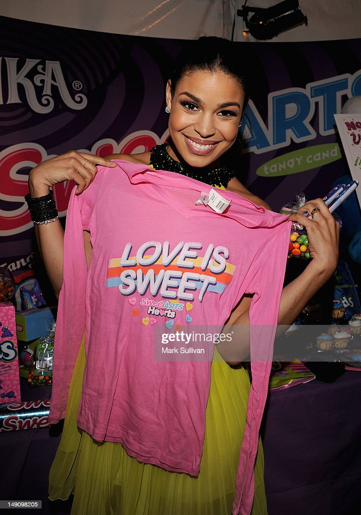 Singer <a gi-track='captionPersonalityLinkClicked' href=/galleries/search?phrase=Jordin+Sparks&family=editorial&specificpeople=4165535 ng-click='$event.stopPropagation()'>Jordin Sparks</a> attends day 2 of Backstage Creations Celebrity Retreat at Teen Choice 2012 at Gibson Amphitheatre on July 22, 2012 in Universal City, California.