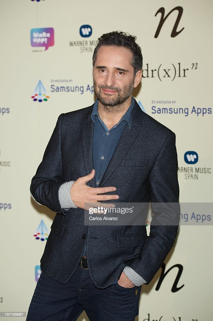 Singer <a gi-track='captionPersonalityLinkClicked' href=/galleries/search?phrase=Jorge+Drexler&family=editorial&specificpeople=828114 ng-click='$event.stopPropagation()'>Jorge Drexler</a> present 'n' new music application at the Telefonica store on November 29, 2012 in Madrid, Spain.