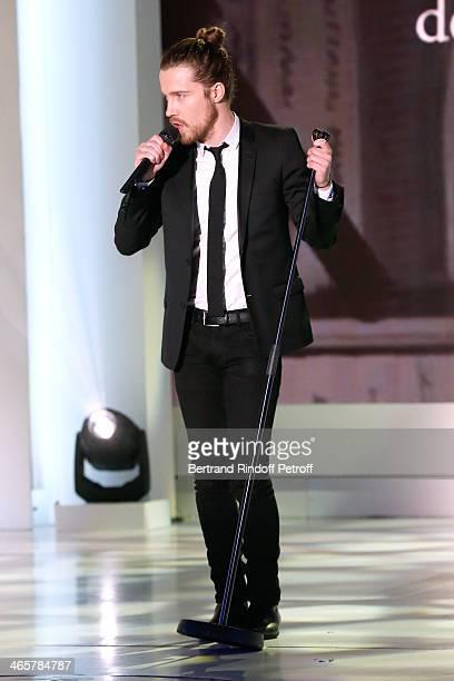 Singer Julien Dore performs at 'Vivement Dimanche' French TV show at Pavillon Gabriel on January 29 2014 in Paris France