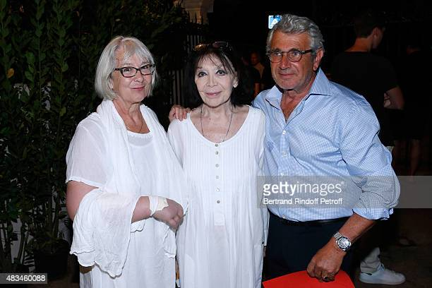 Singer Juliette Greco standing between her daughter Laurence and Artistic Director of the Festival Michel Boujenah attend the Alex Lutz Show during...