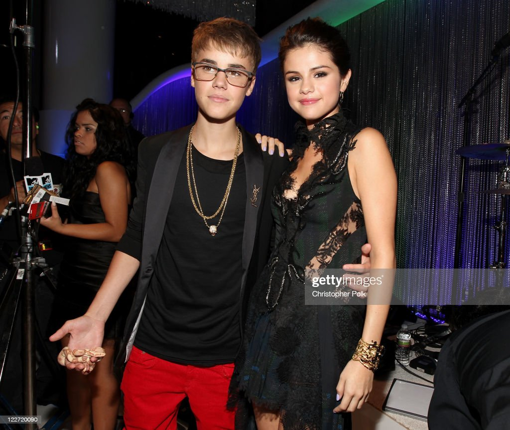 Singer Justin Bieber and actress/singer Selena Gomez arrive at the 2011 MTV Video Music Awards at Nokia Theatre LA LIVE on August 28 2011 in Los...