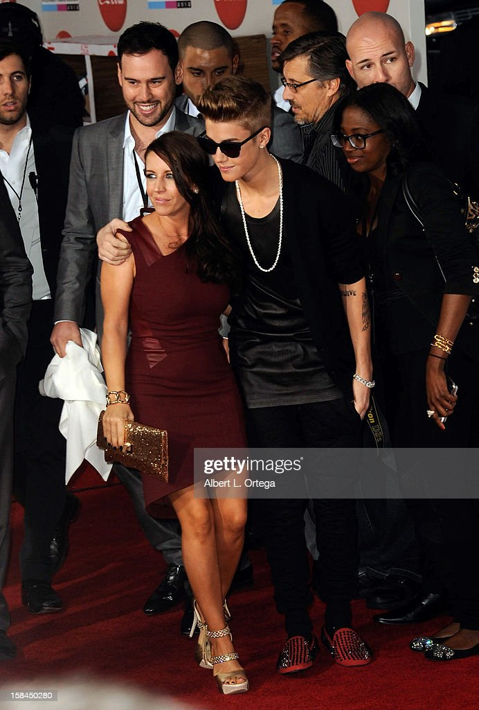 Singer Justin Bieber and mother Pattie Mallette arrive for the 40th Anniversary American Music Awards - Arrivals held at Nokia Theater L.A. Live on November 18, 2012 in Los Angeles, California.