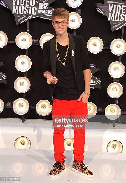 Singer Justin Bieber arrives at the 2011 MTV Video Music Awards at Nokia Theatre LA LIVE on August 28 2011 in Los Angeles California