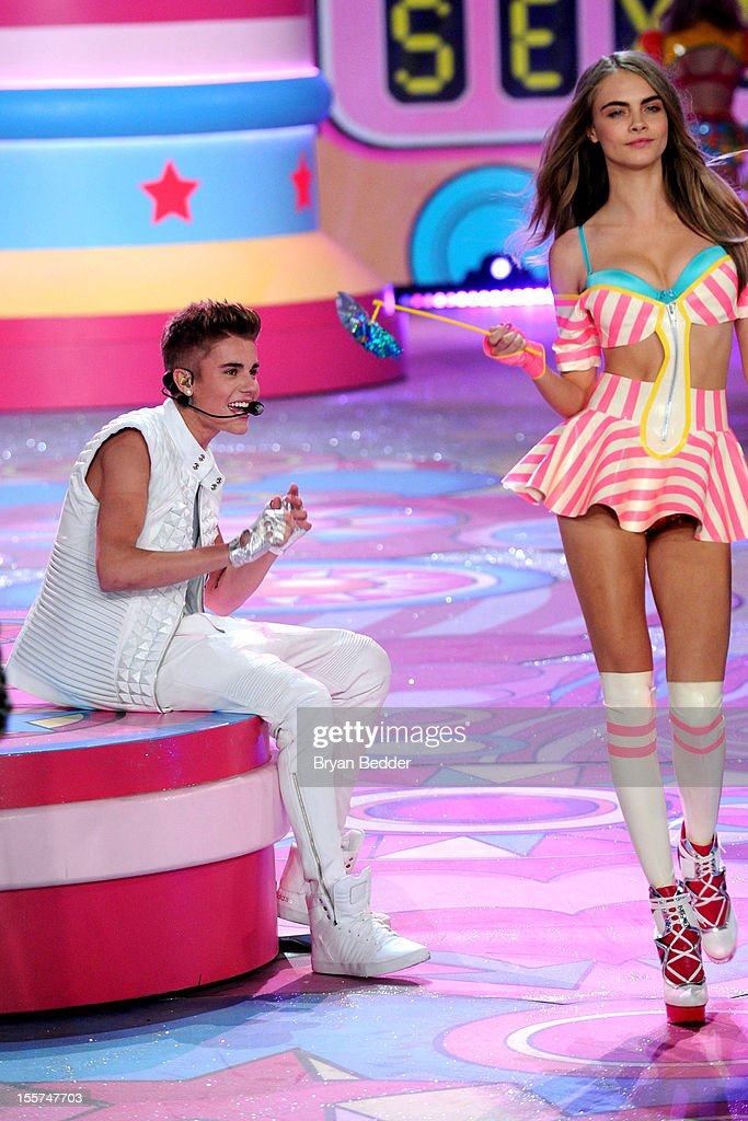 Singer Justin Bieber performs during the Victoria's Secret 2012 Fashion Show on November 7, 2012 in New York City.