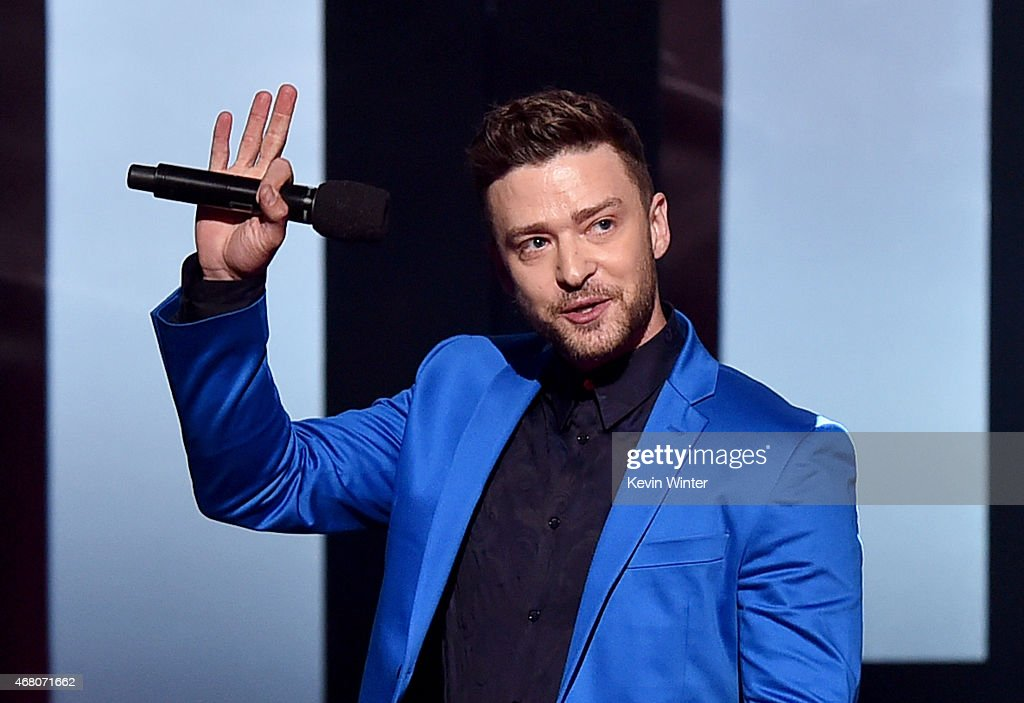 2015 iHeartRadio Music Awards On NBC - Show