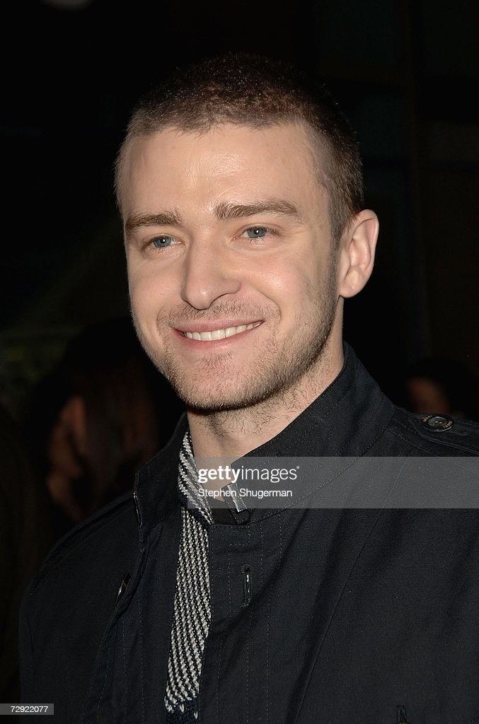 Singer <a gi-track='captionPersonalityLinkClicked' href=/galleries/search?phrase=Justin+Timberlake&family=editorial&specificpeople=157482 ng-click='$event.stopPropagation()'>Justin Timberlake</a> attends the premiere of Universal Pictures' 'Alpha Dog' at the Cinerama Dome on January 3, 2007 in Hollywood, California.