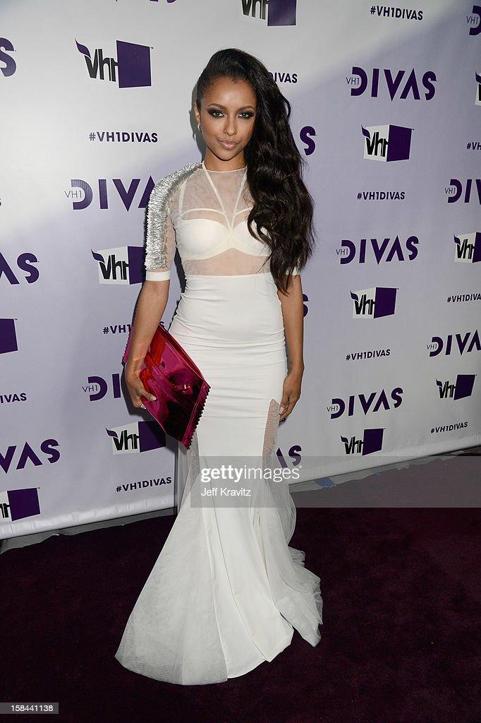 Singer Kat Graham arrives at 'VH1 Divas' 2012 at The Shrine Auditorium on December 16, 2012 in Los Angeles, California.