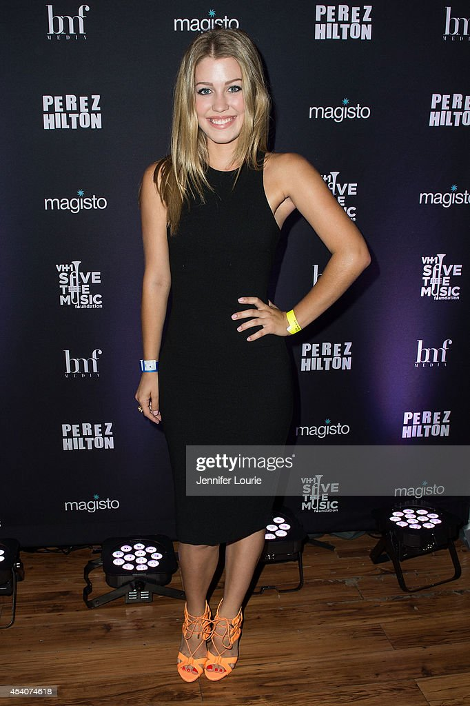 Singer Katie Garfield arrives at 'One Night In Los Angeles' presented by Perez Hilton at The Troubadour on August 23, 2014 in Los Angeles, California.