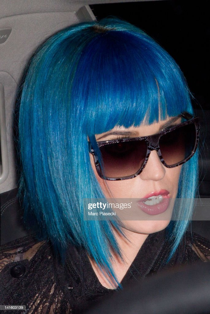 Singer <a gi-track='captionPersonalityLinkClicked' href=/galleries/search?phrase=Katy+Perry&family=editorial&specificpeople=599558 ng-click='$event.stopPropagation()'>Katy Perry</a> arrives at Gare du Nord on March 19, 2012 in Paris, France.
