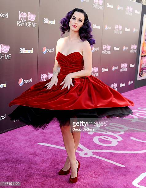 Singer Katy Perry arrives at 'Katy Perry Part Of Me' Los Angeles Premiere at Grauman's Chinese Theatre on June 26 2012 in Hollywood California