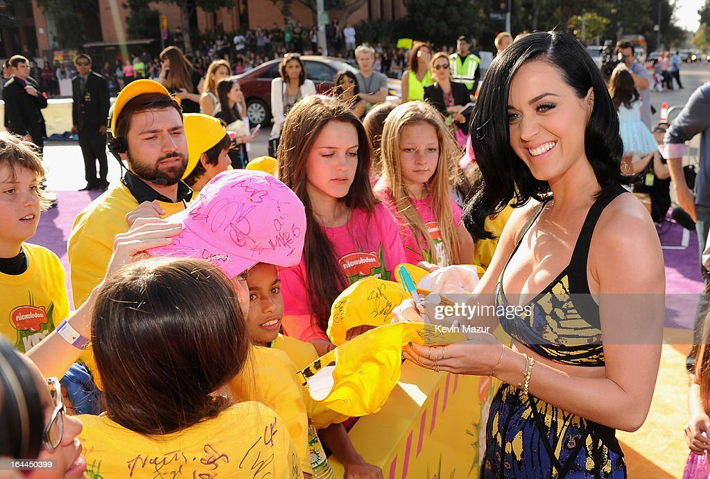 Singer <a gi-track='captionPersonalityLinkClicked' href=/galleries/search?phrase=Katy+Perry&family=editorial&specificpeople=599558 ng-click='$event.stopPropagation()'>Katy Perry</a> arrives at Nickelodeon's 26th Annual Kids' Choice Awards at USC Galen Center on March 23, 2013 in Los Angeles, California.