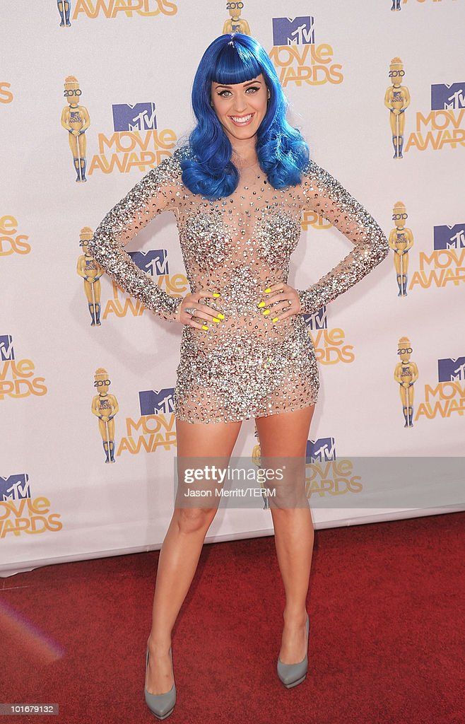 Singer <a gi-track='captionPersonalityLinkClicked' href=/galleries/search?phrase=Katy+Perry&family=editorial&specificpeople=599558 ng-click='$event.stopPropagation()'>Katy Perry</a> arrives at the 2010 MTV Movie Awards at Gibson Amphitheatre on June 6, 2010 in Universal City, California.