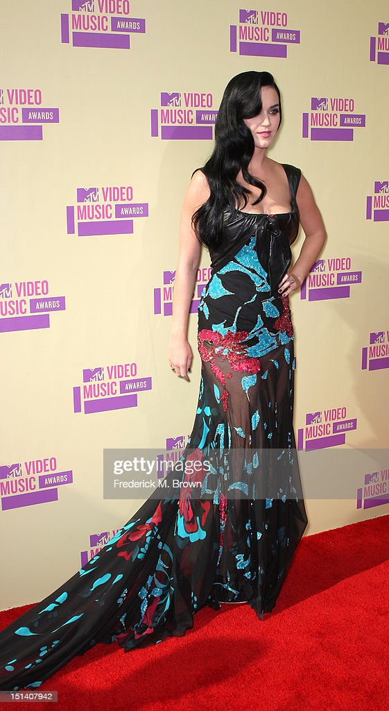 Singer <a gi-track='captionPersonalityLinkClicked' href=/galleries/search?phrase=Katy+Perry&family=editorial&specificpeople=599558 ng-click='$event.stopPropagation()'>Katy Perry</a> arrives at the 2012 MTV Video Music Awards at Staples Center on September 6, 2012 in Los Angeles, California.
